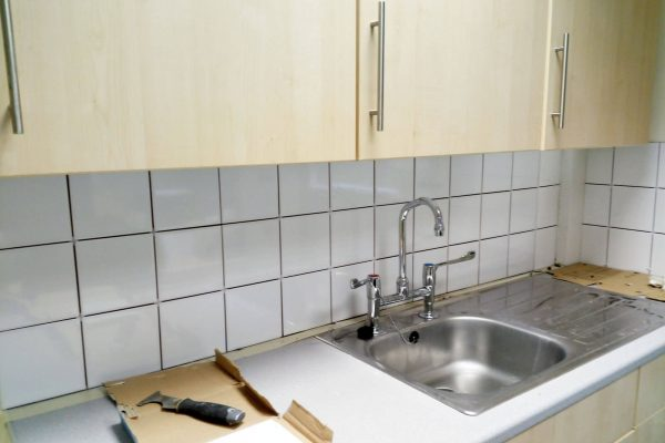 carefurbish-handyman-sink-area-to-be-grouted